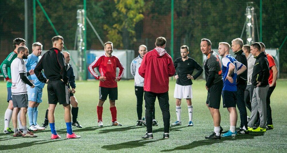 Drużyna Agencji Eventowych podczas treningu przed MP Legia Cup 2017. fot. Robert Szarapka