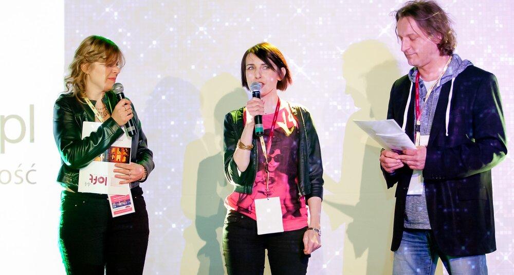 Rozpoczęcie Atrist Night - Sylwia Banaszewska i Magdalena Kondas (MeetingPlanner.pl), Maciej Gowin (Art Events, Loft 44)