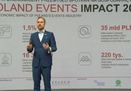 Krzysztof Celuch przedstawia wyniki badania pilotażowego Poland Events Impact podczas wydarzenia online zorganizowanego w ramach Global Meetings Industry Day.