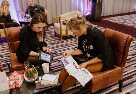 Główna część wydarzenia to12 zaplanowanych indywidualnych rozmów biznesowych, w rundzie otwartej, uczestnicy samodzielnie wybierają partnerów do spotkań