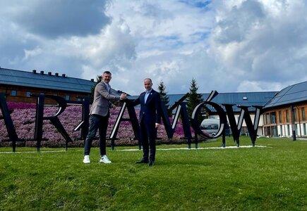 Krzysztof Ignaczak, ambasador Hotelu Arłamów, i Michał Kozak, prezes zarządy Hotel Arłamów SA