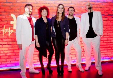 Channel One, zespół coverowy