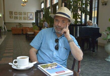Tomasz Mlącki w cykl felietonów Metafizycznie, merytorycznie…