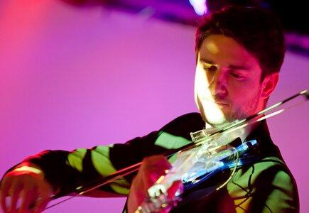 MagnetiG, violin show
