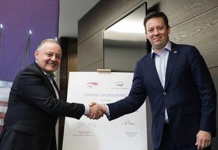 Wojciech Dąbrowski, prezes zarządu PGE Polskiej Grupy Energetycznej, i Włodzimierz Dola, prezes zarządu operatora PGE Narodowego